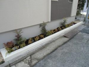 芝ブロックで仕上げた駐車場