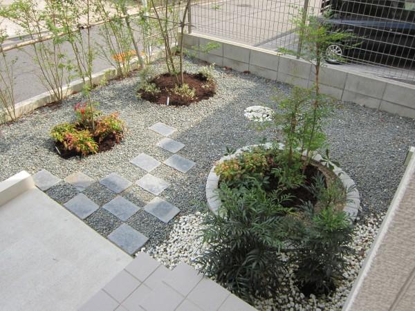 小スペースを生かしたお庭