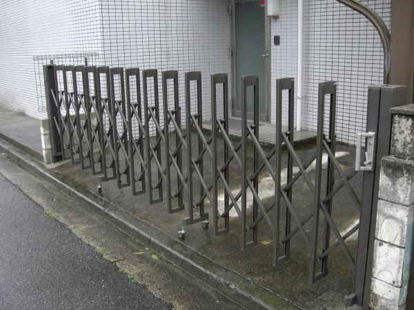 ライフスタイルに合わせた伸縮門扉