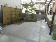 竹垣フェンスが際立つ和風リガーデン